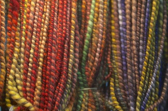 Multi-tone-yarn