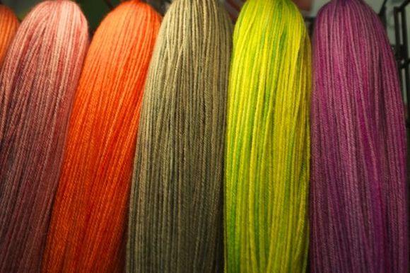 Neon-yarn